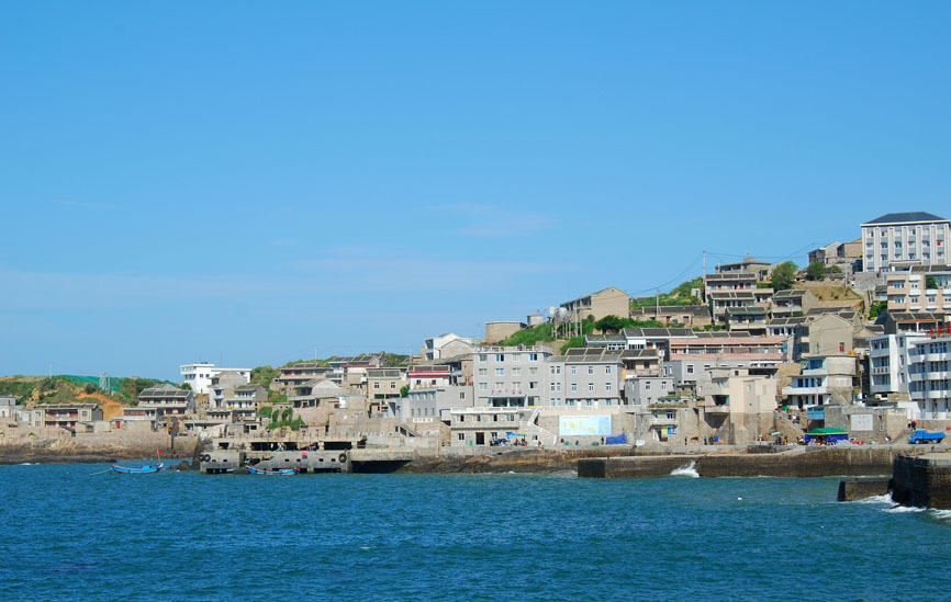 舟山,宁波,台州等地有离岛不下20个,7-8月岛上的海风大到你无法想像