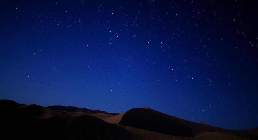 除了星星还能看到很多飞机飞过