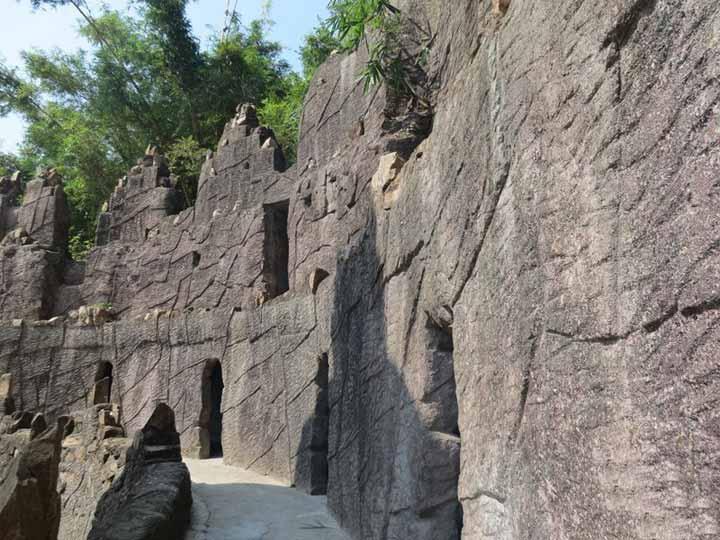 石洞景区是整个森林公园的核心区,这一带有近