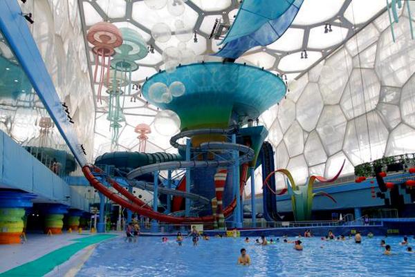 世界最先進的室內嬉水樂園之一