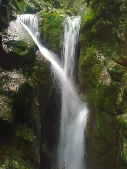 壁纸 风景 旅游 瀑布 山水 桌面 521_690 竖版 竖屏 手机